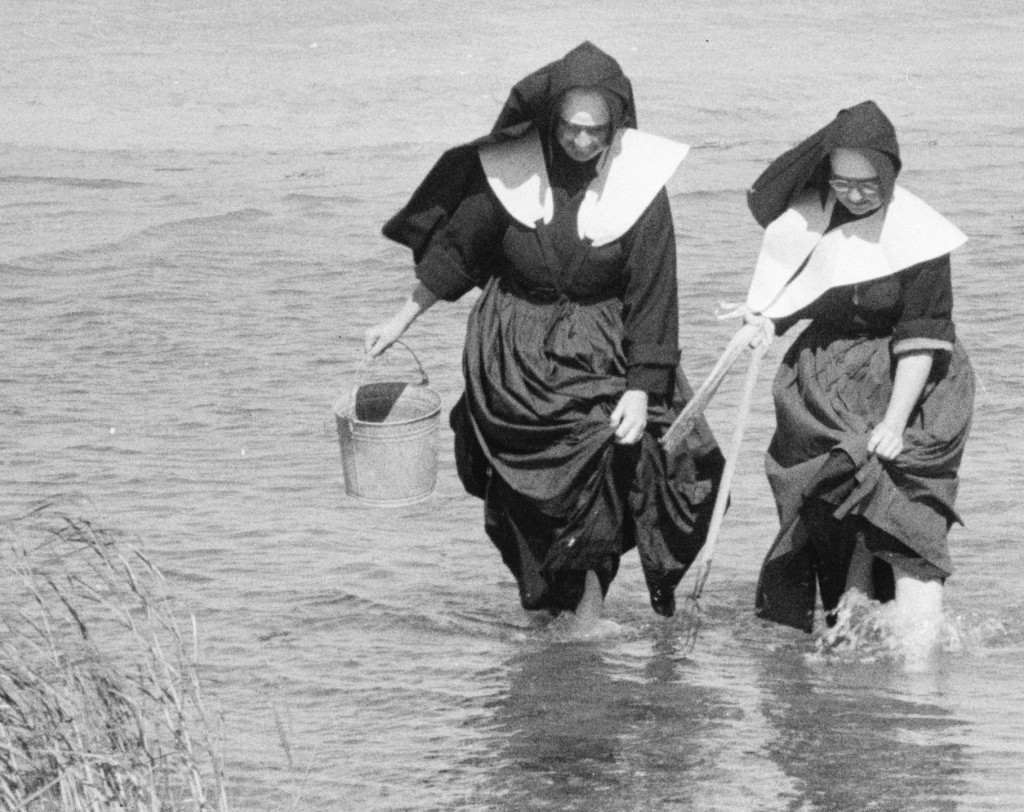 Note the clam hack/trident in the nun on the right.  Violent, yes?